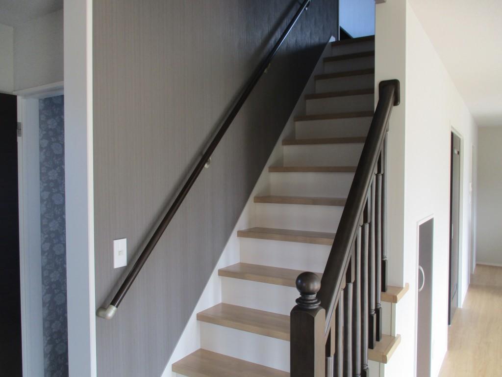 リビング階段で顔を合わせないという日がなくなります。