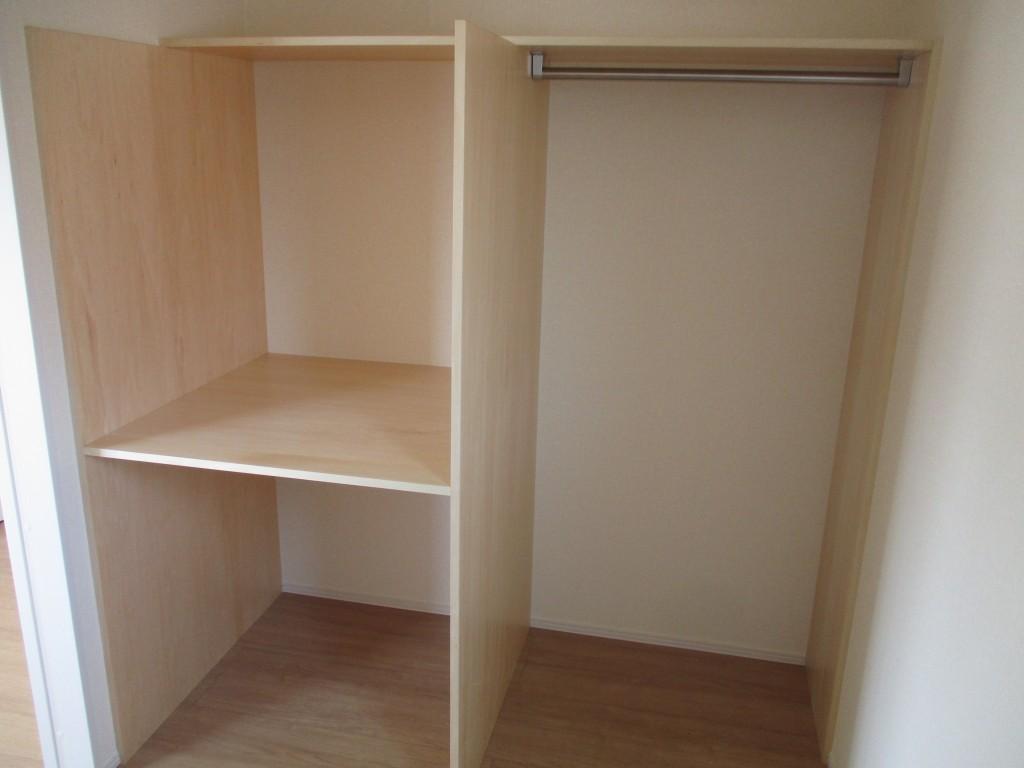 カスタマイズ可能な収納棚