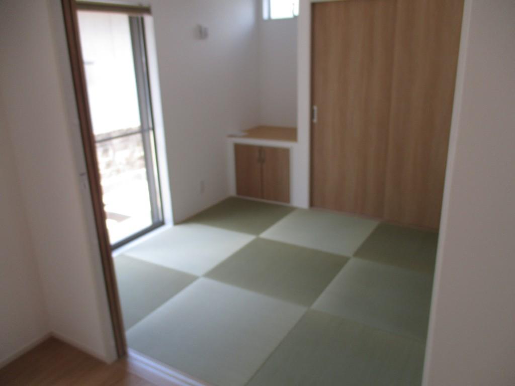 琉球畳の和室でごろんと気持ちよく一休み