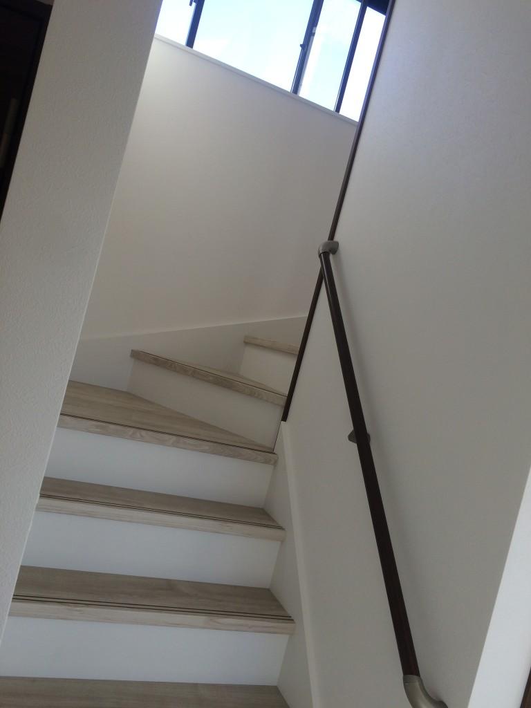 階段も白で統一